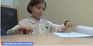 OVAJ KLINJA JE ČUDO OD DETETA: Ima 8 godina a studira na 3 fakulteta! (VIDEO)